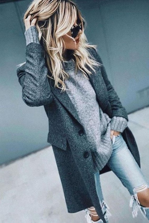 Adorable Winter Outfits Ideas With Jeans36