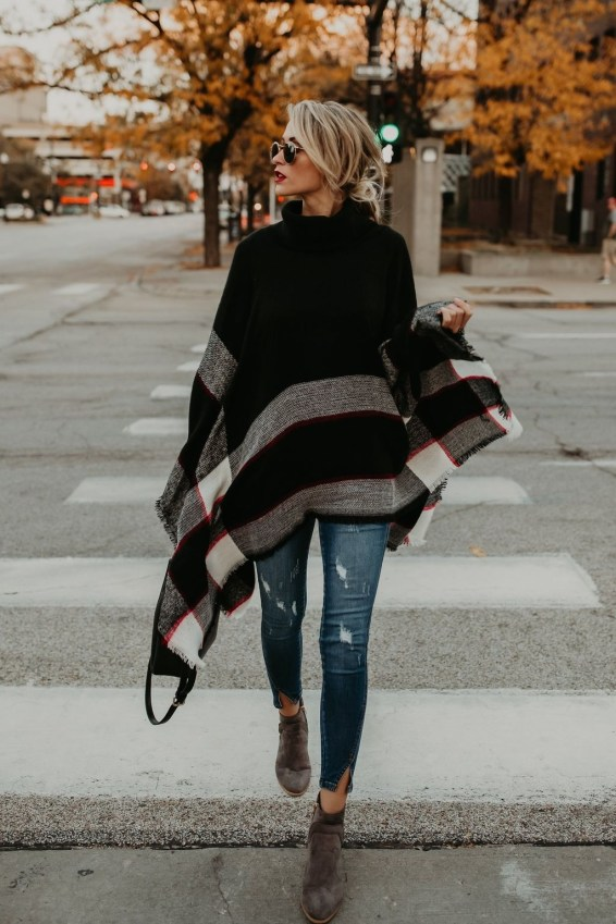 Adorable Winter Outfits Ideas With Jeans37