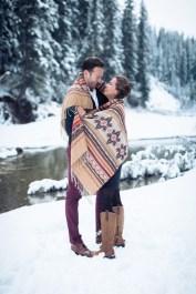 Best Winter Engagement Photo Ideas15