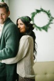 Best Winter Engagement Photo Ideas18
