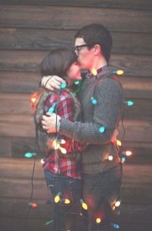 Best Winter Engagement Photo Ideas35