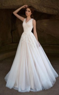 Elegant Wedding Dress Ideas For Valentines Day03