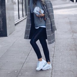 Extraordinary Winter Clothes Ideas For Teenage Girl39
