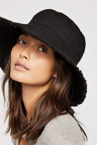 Fascinating Winter Hats Ideas For Women With Short Hair22