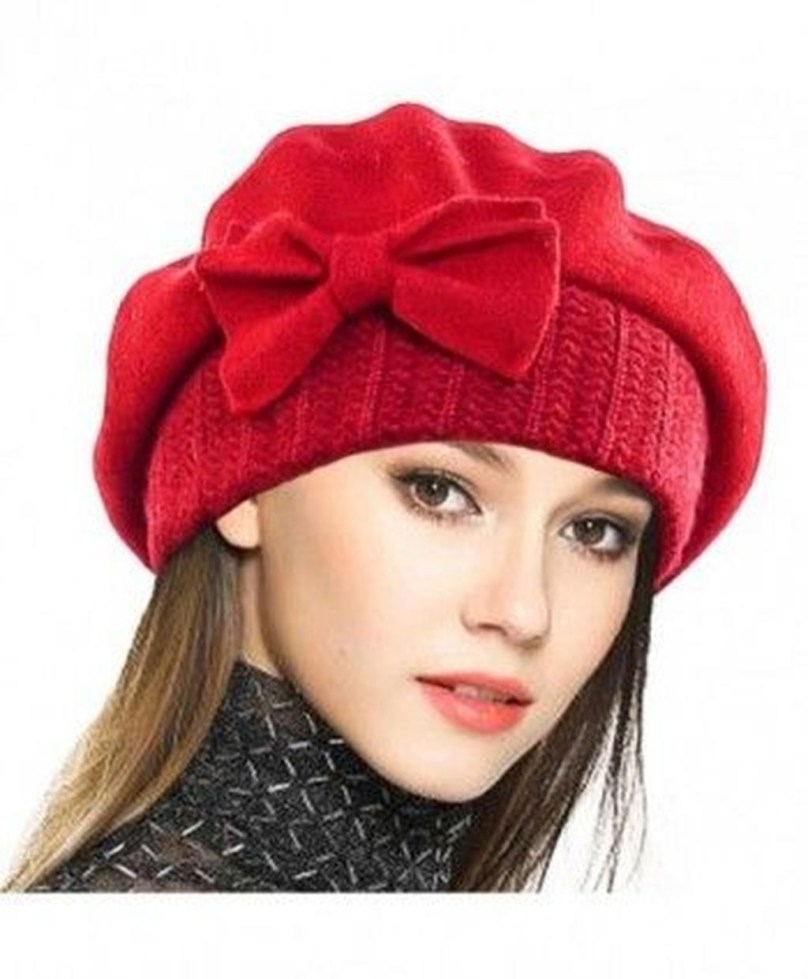 Fascinating Winter Hats Ideas For Women With Short Hair39