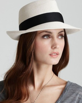 Fascinating Winter Hats Ideas For Women With Short Hair40