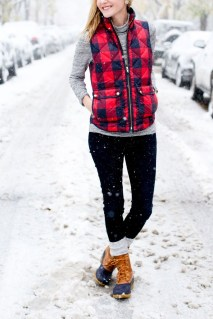 Incredible Winter Outfits Ideas With Leg Warmers20