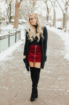 Incredible Winter Outfits Ideas With Leg Warmers34