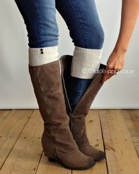 Incredible Winter Outfits Ideas With Leg Warmers37