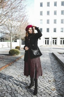 Stunning Winter Outfits Ideas With Skirts14