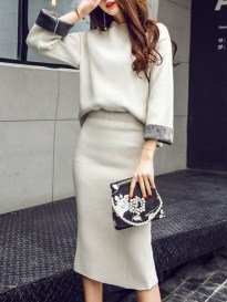 Stunning Winter Outfits Ideas With Skirts22