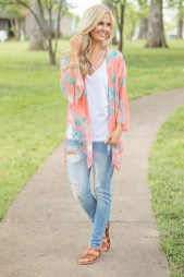 Beautiful Outfits Ideas To Wear This Spring22