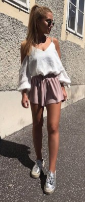 Beautiful Outfits Ideas To Wear This Spring30