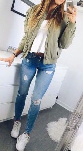Captivating Spring Outfit Ideas03