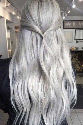 Charming Hairstyles Ideas For Long Hair33