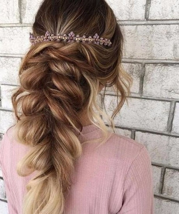 Charming Hairstyles Ideas For Long Hair38