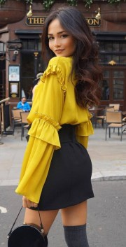 Cute Yellow Outfit Ideas For Spring13