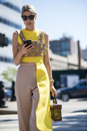 Cute Yellow Outfit Ideas For Spring16