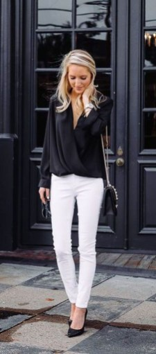 Delicate Spring Outfit Ideas To Copy18