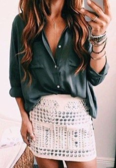 Delicate Spring Outfit Ideas To Copy22