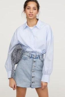 Elegant Denim Skirts Outfits Ideas For Spring38