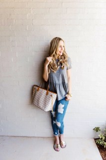 Latest Jeans Outfits Ideas For Spring13
