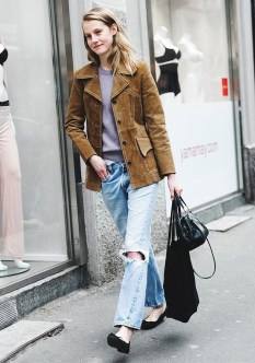 Latest Jeans Outfits Ideas For Spring29