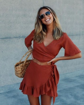Attractive Spring Outfits Ideas36