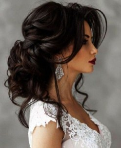 Beautiful Long Hairstyle Ideas For Women14