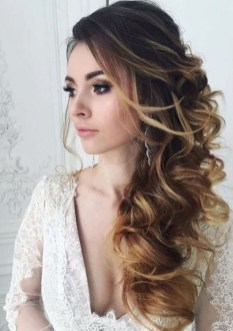 Beautiful Long Hairstyle Ideas For Women18