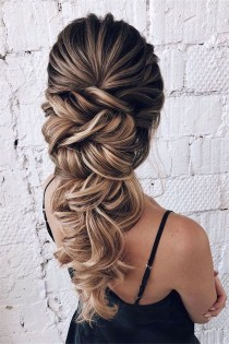 Beautiful Long Hairstyle Ideas For Women22