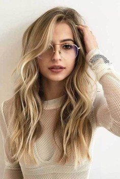 Beautiful Long Hairstyle Ideas For Women35
