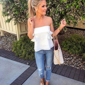 Charming Dinner Outfits Ideas For Spring04