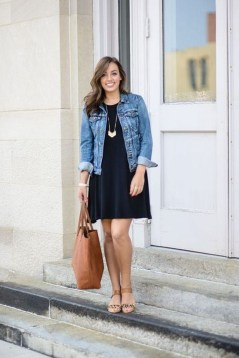 Charming Dinner Outfits Ideas For Spring27