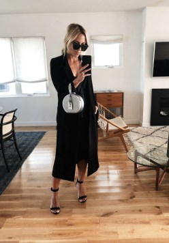 Charming Dinner Outfits Ideas For Spring28