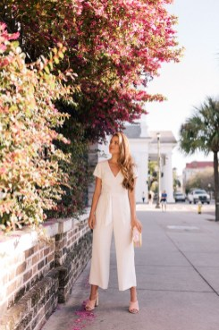 Charming Dinner Outfits Ideas For Spring34