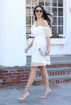 Charming Dinner Outfits Ideas For Spring43