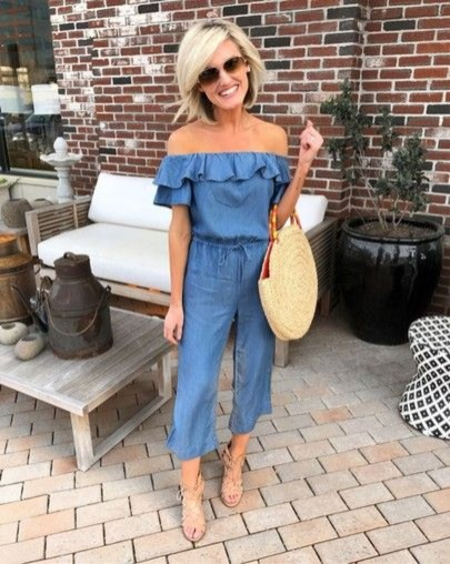 Charming Dinner Outfits Ideas For Spring47