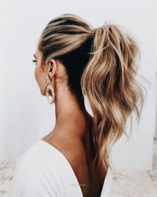 Charming Ponytail Hairstyles Ideas With Sophisticated Vibe32
