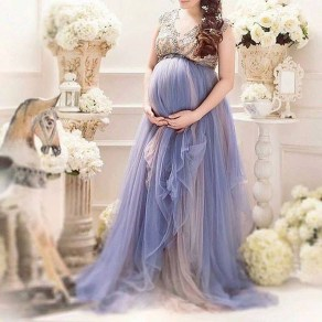 Gorgeous Maternity Wedding Outfits Ideas For Spring18