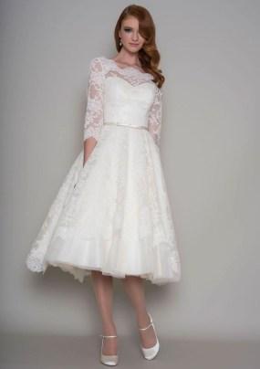 Gorgeous Tea Length Wedding Dresses Ideas08
