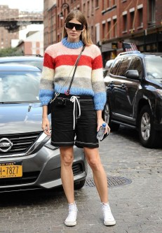 Impressive Sweater Outfits Ideas For Spring05