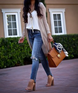 Outstanding Outfit Ideas To Wear This Spring28