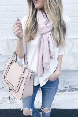 Outstanding Outfit Ideas To Wear This Spring33