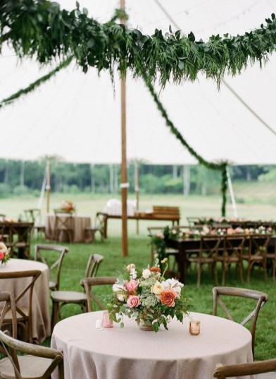 Pretty Backyard Reception Decoration Ideas19