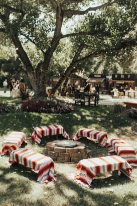 Pretty Backyard Reception Decoration Ideas28