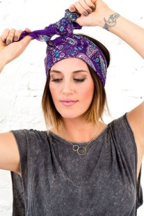 Best Ideas To Wear A Scarf Stylishly This Spring02