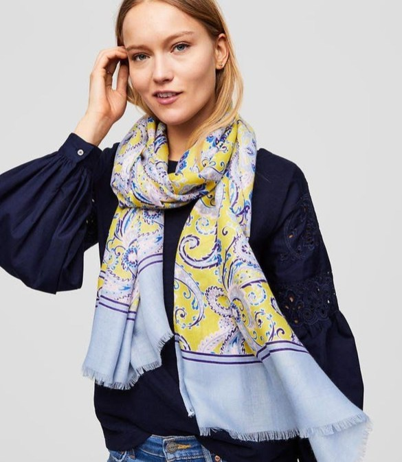 Best Ideas To Wear A Scarf Stylishly This Spring40