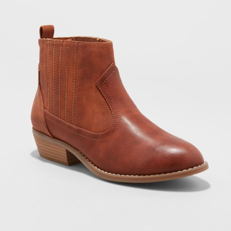 Best Ideas To Wear Wide Ankle Boots This Spring05
