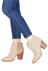Best Ideas To Wear Wide Ankle Boots This Spring20